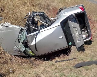 Car rollover on a ditch, rollover risks